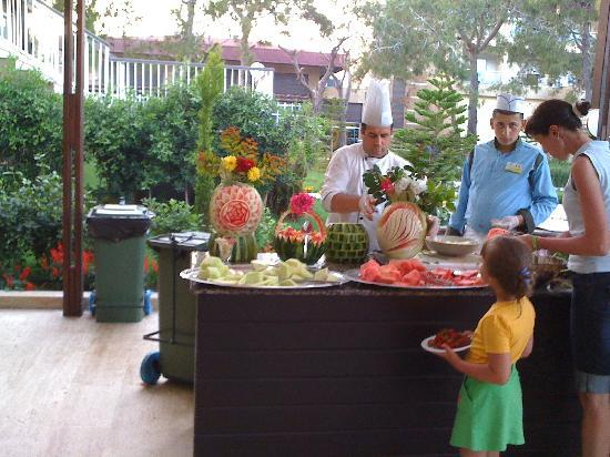 Otium Eco Club Side : Fruit buffet during lunch