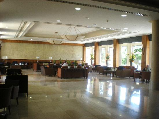 Ajax Hotel: reception area