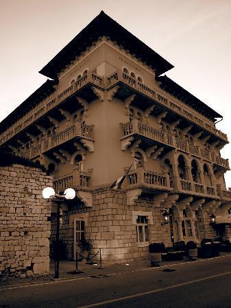 Arbiana Hotel: HOTEL ARBIANA
