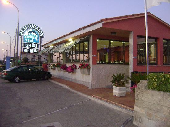 Hotel Delfin Azul: Vista a pie de carretera