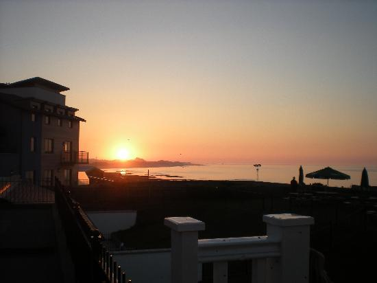 The Bamburgh Castle Inn: Sunset