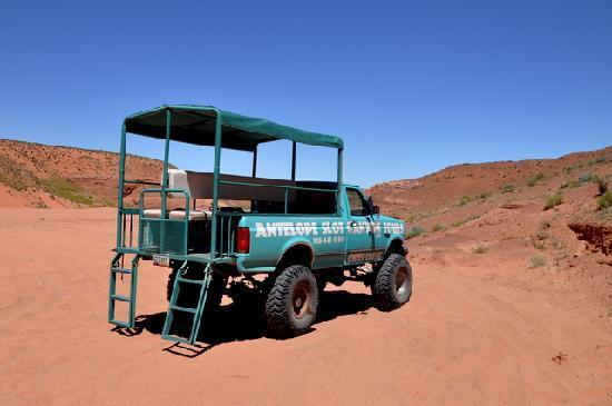 Antelope Slot Canyon Tours: gomme enormi  e rumore assordante : OK !