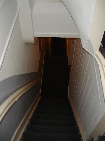 Palace B&B: The stairs - remember built in 1600's