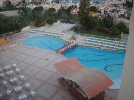Sea Pearl Hotel: pool view from balcony