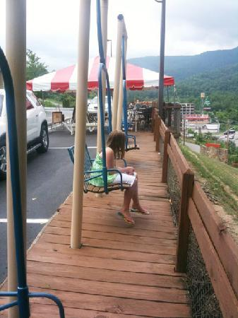Hampton Inn Caryville - I-75 / Cove Lake State Park: Chairlifts have been converted into stationary seating