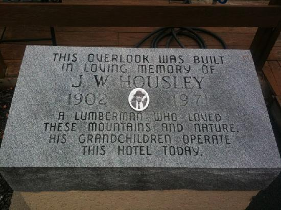 Hampton Inn Caryville - I-75 / Cove Lake State Park: In memory.....