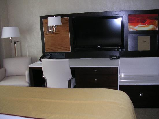 Tv Desk At Foot Of Bed Picture Of Staybridge Suites