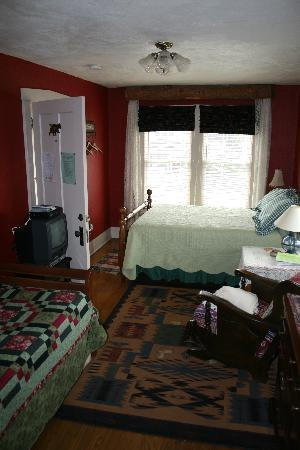 Gallagher's Irish Rose B&B: Another Room