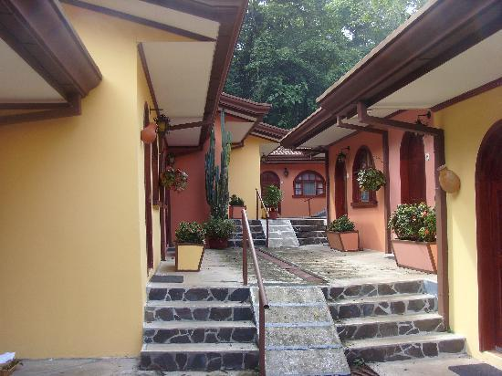 El Tucano Resort & Thermal Spa: stairs and more stairs to our room