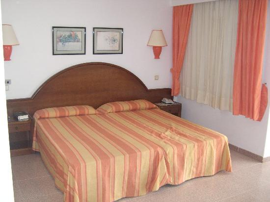 Sensimar Calypso Resort & Spa: Hotelbett