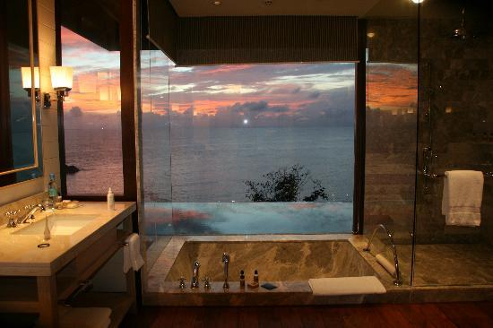 Four Seasons Resort Seychelles: Bathroom