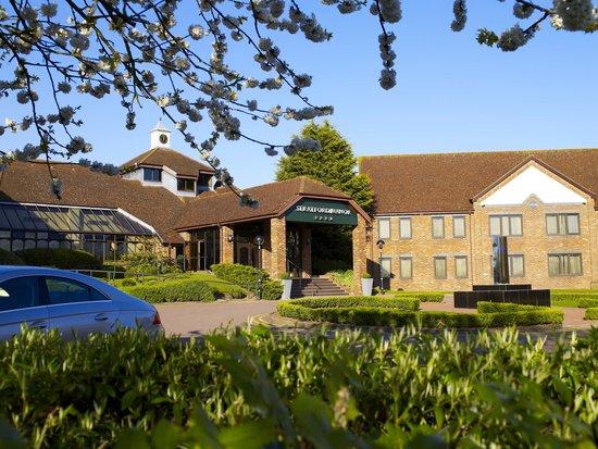 Stratford Manor Hotel: Exterior