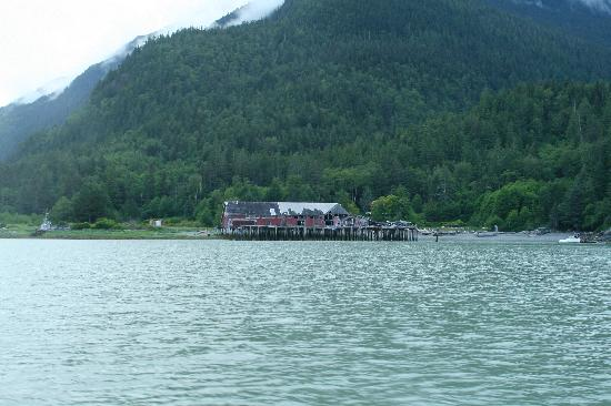 Coming by boat into Tallheo Cannery Inn