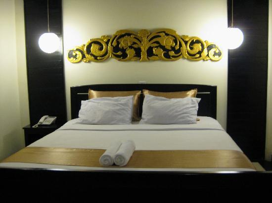 The Kool Hotel: Double bed