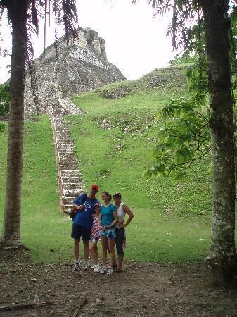 Belize: Xunantunich Mayana Ruins