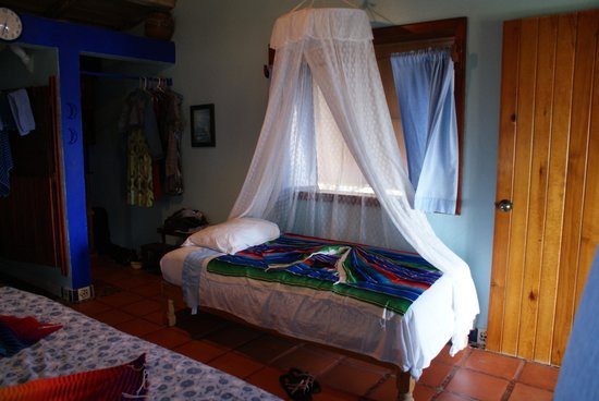 Casa Ki: The small bed in Bungalow Azul