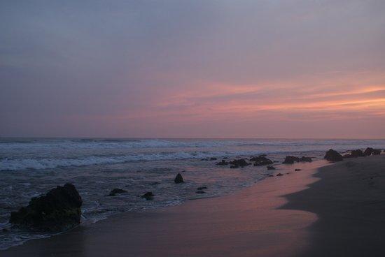 Casa Ki: Sunset over our beach