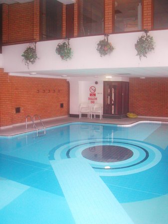 The Risboro Hotel: Swimming Pool