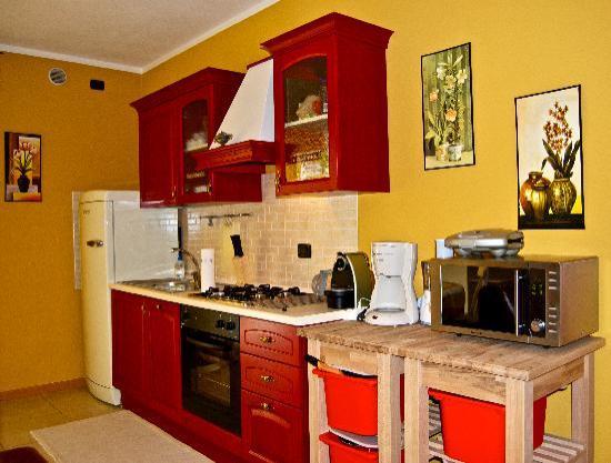 Casa Roberta: La cucina ha praticamente tutto (più di casa mia)