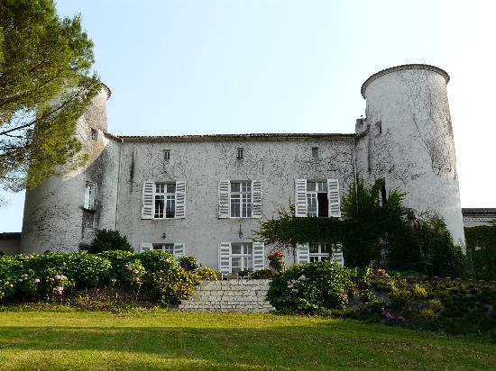 Chez Kelly: The Chateau from the  canal