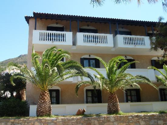 Ino Village Hotel: rooms with the seaview