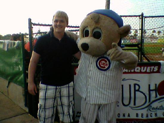 Jackie Robinson Ballpark and Statue: get your pic with cubby!