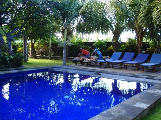 Liberty Dive Resort : $8 massages by the pool