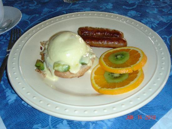 Sky Meadow Bed & Breakfast: Breakfast to die for!