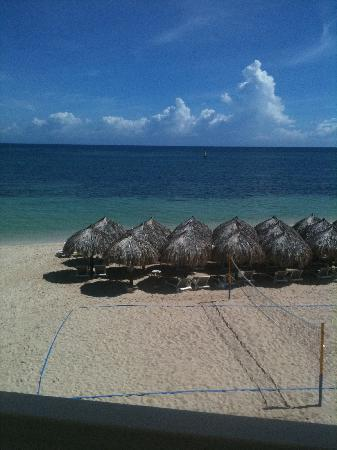 Iberostar Grand Hotel Rose Hall: Front beach view from balcony
