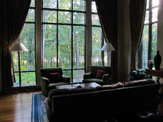 The Lodge at Woodloch: Library