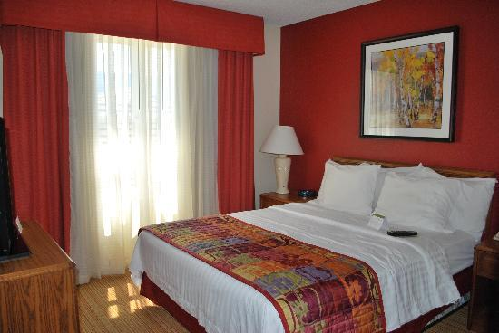 Residence Inn Colorado Springs South: One of the 2 Bedrooms
