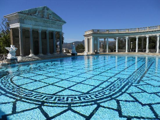 San Simeon, Kalifornia: The infinity pool at Heast Castle