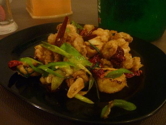 Moon Bell Restaurant: Salt and pepper squid