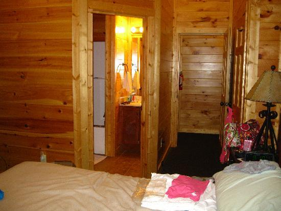 Gatlinburg Falls Resort: One of the Bedrooms