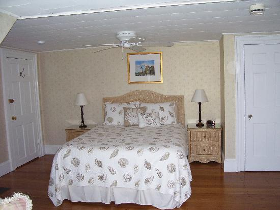 Beach Breeze Inn: Beautiful Room