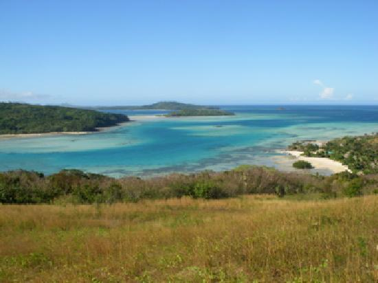 Navutu Stars Fiji Hotel & Resort : View from of resort from hilltop
