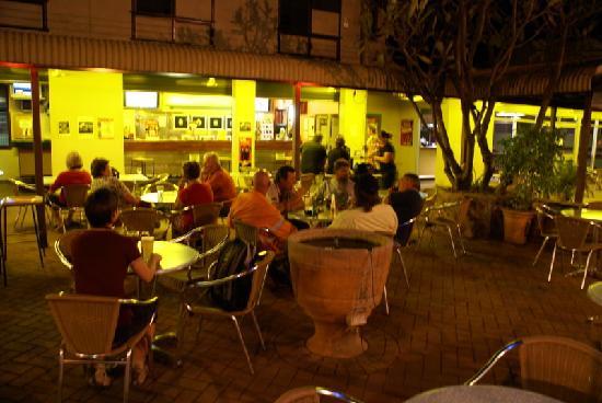 Pine Creek Australia  City pictures : Pine Creek, Australia: abends vor dem Restaurant