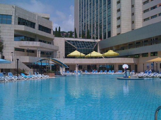 Radisson Lazurnaya Hotel: The Pool!