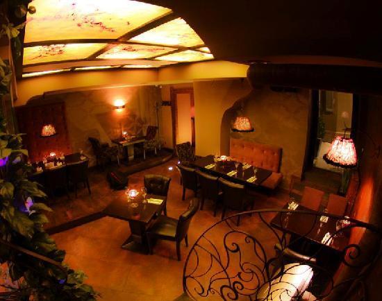 Scandale Royal : restaurant