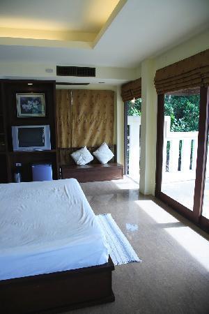 Crystal Bay Beach Resort: G1 room