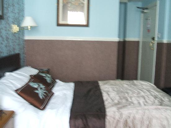 Southbank Hotel: the bedroom