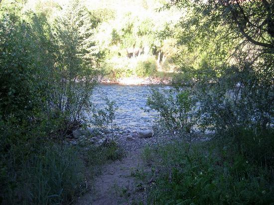 Carbondale, CO: Nearby river (< 10y from site)