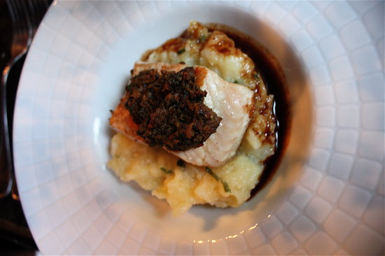 Auberge Le Bouc Bleu: first course: Fish with Olive tapenade
