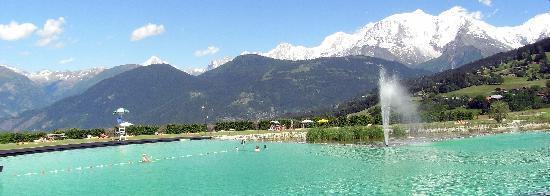 Plan d'eau biotope de Combloux - le 1er ouvert en France à la baignade