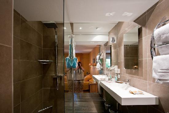 Les Trois Soleils de Montal: bathroom