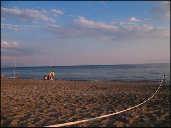Villammare, إيطاليا: la spiaggia di sera