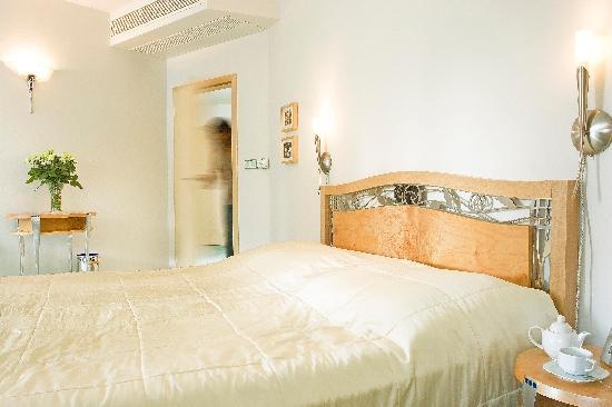 Hotel Set: suite charlotte