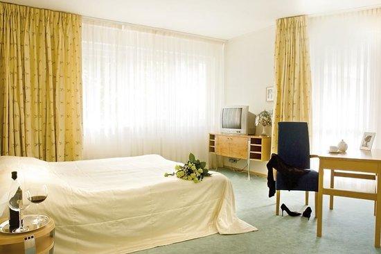 Hotel Set: suite charlotte - bedroom