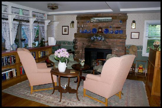 Berkshire Hills Country Inn: Foyer