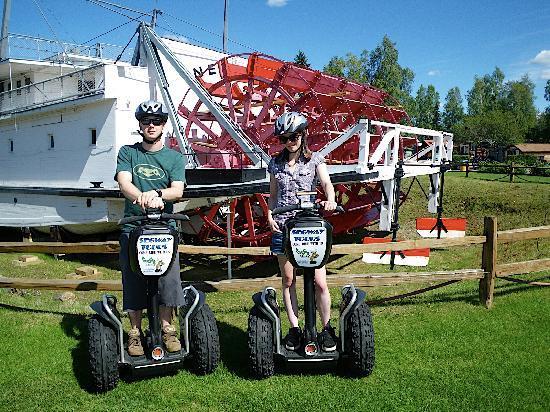 EcoSeg Alaska: In front of a waterwheel